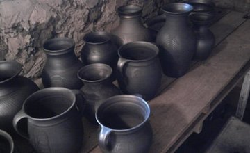 Výstava obrazů, fotoobrazů a keramiky